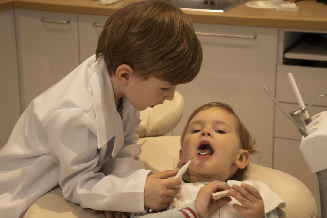 vaiku odontologija klinikoje
